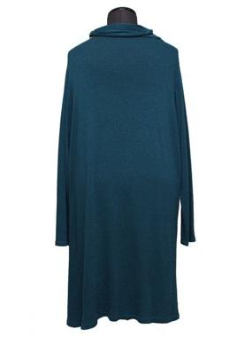 Picture of Abito verde in lana con collana